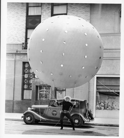 charles-balloon-dkjpg